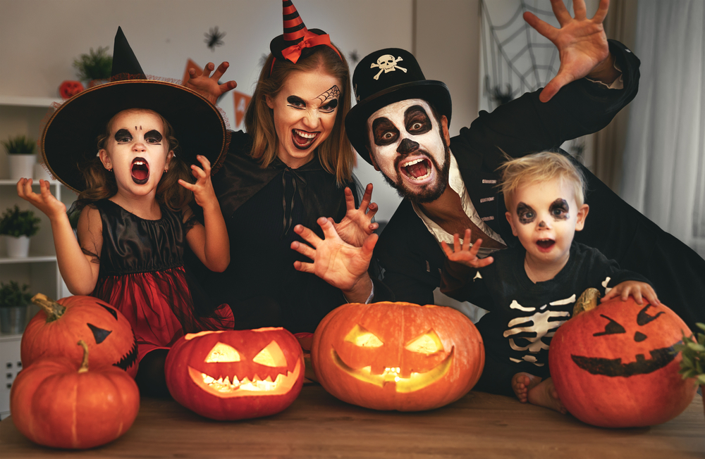 Descubra o top 10 de melhores fatos e disfarces de Halloween!